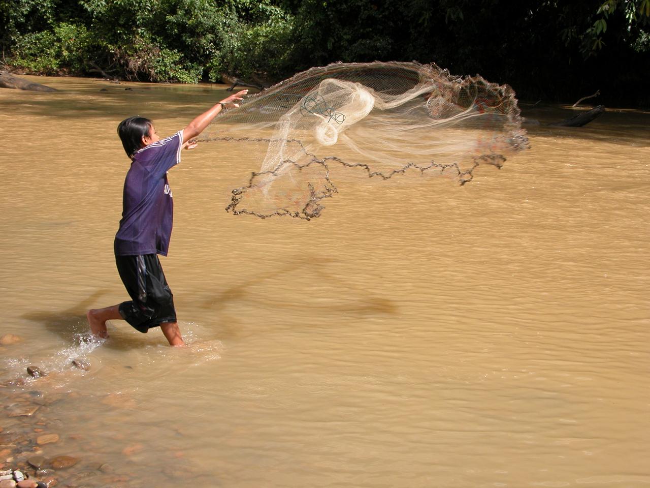Maleisië, gaan vissen met Ibans in het regenwoud - Sarawak