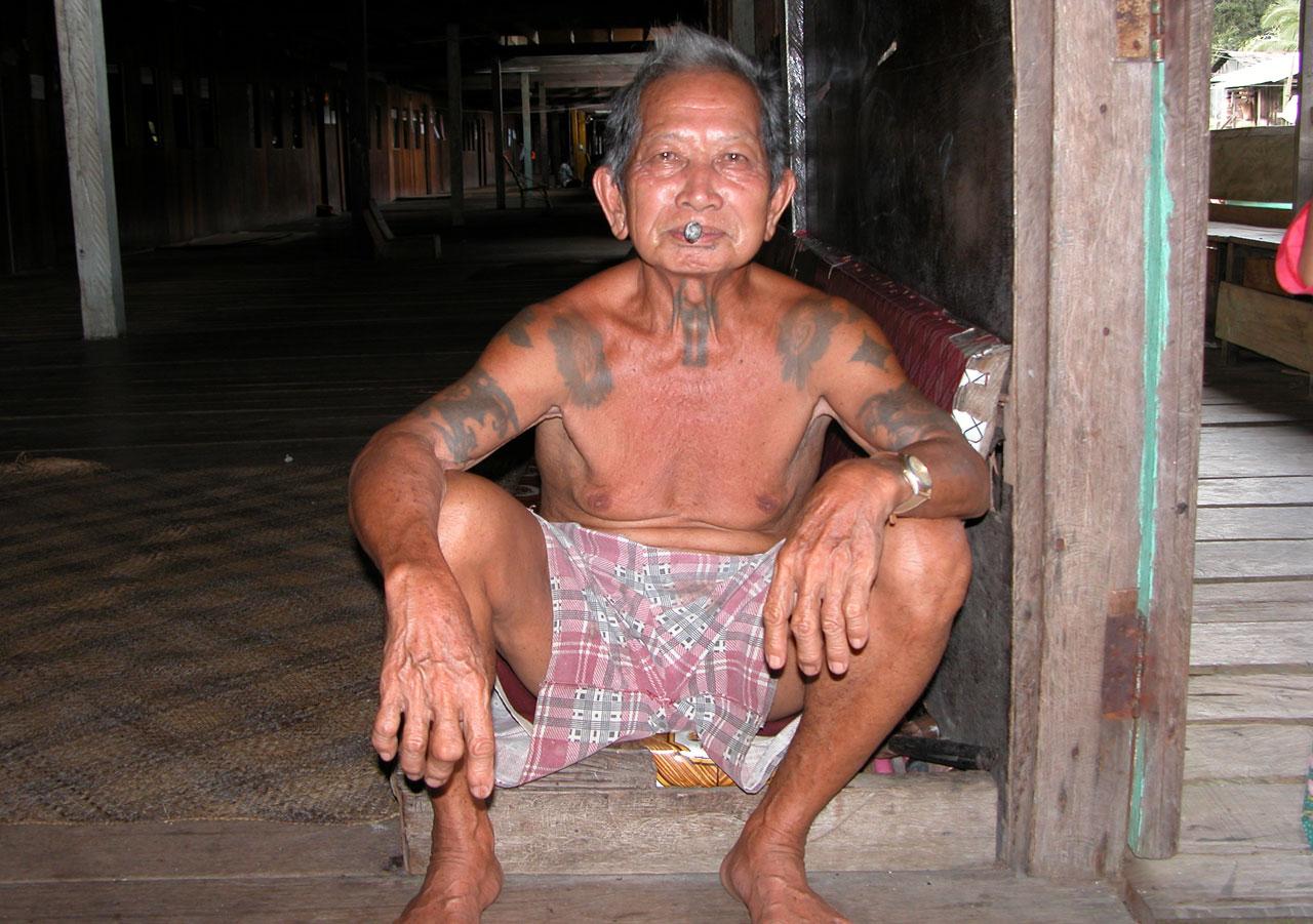 Maleisië, Borneo- Iban in longhouse - omgeving Pelagus
