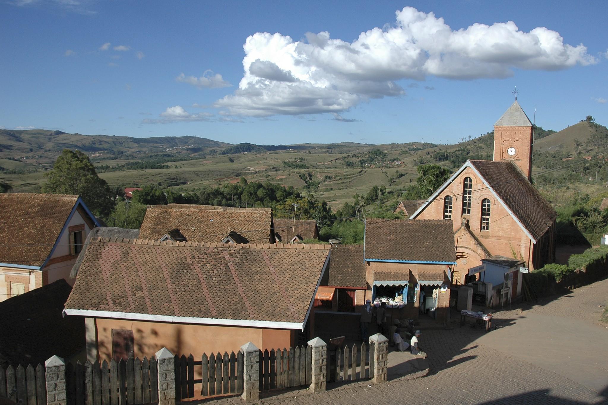 Madagascar, zicht in het stadje Ambavalao