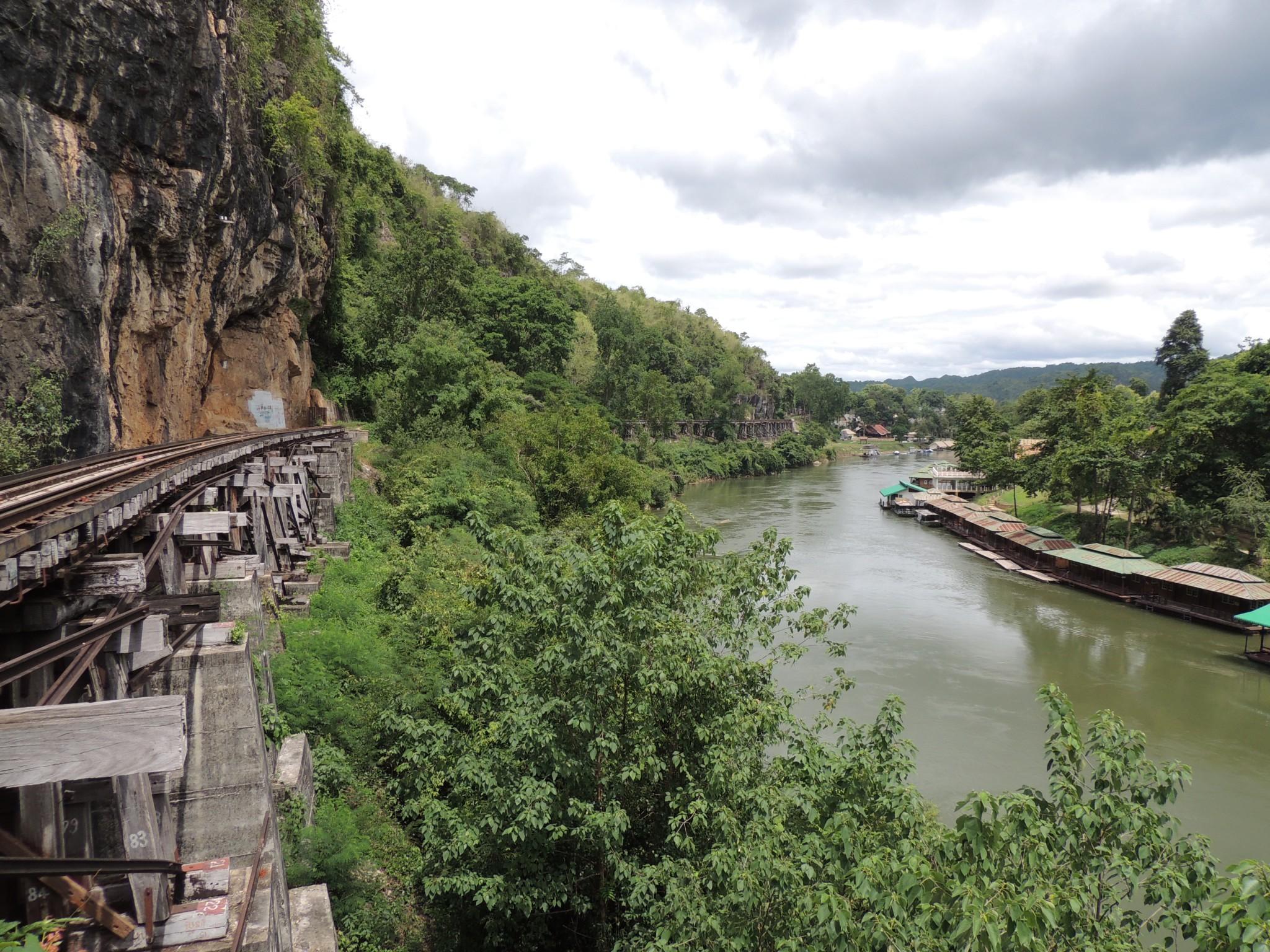 Thailand, spoorlijn langs de river Kwai