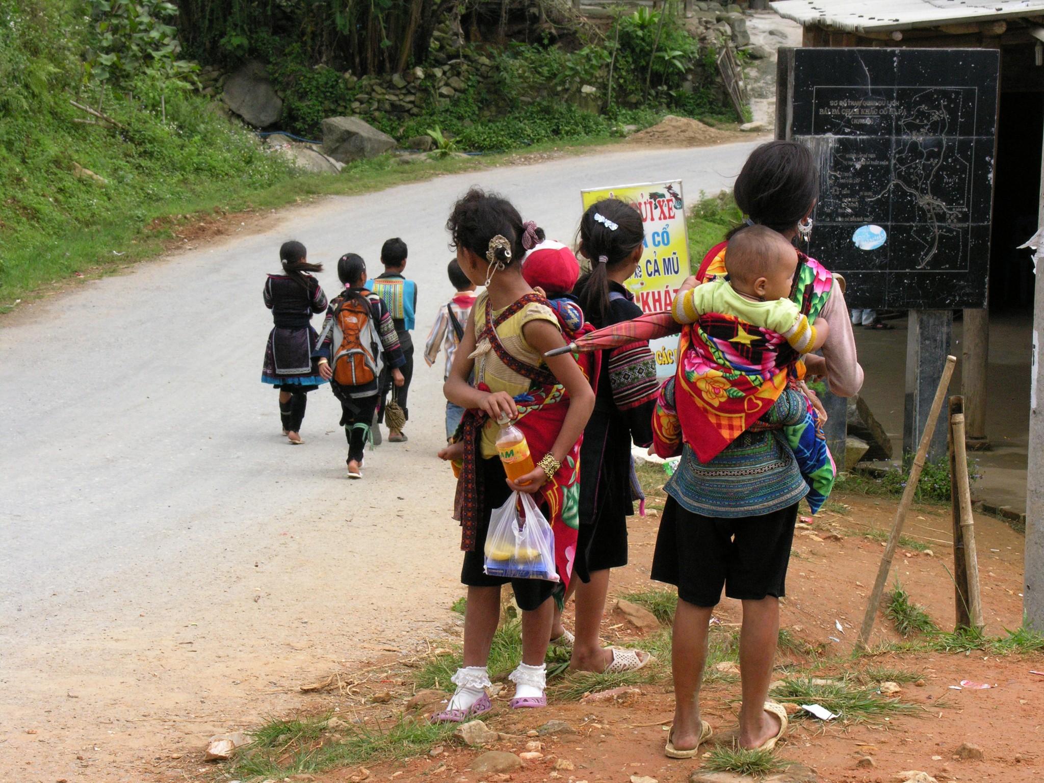 Vietnam, Black Hmongs in het noorden langs de weg