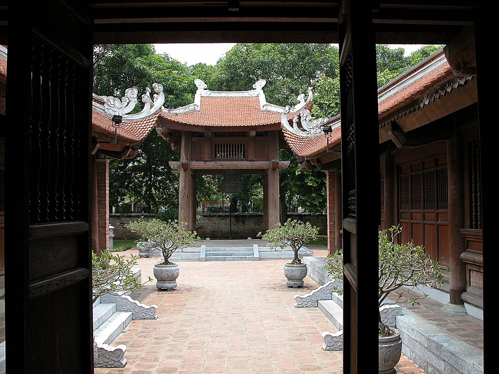 Vietnam, literatuur temple in Hanoi
