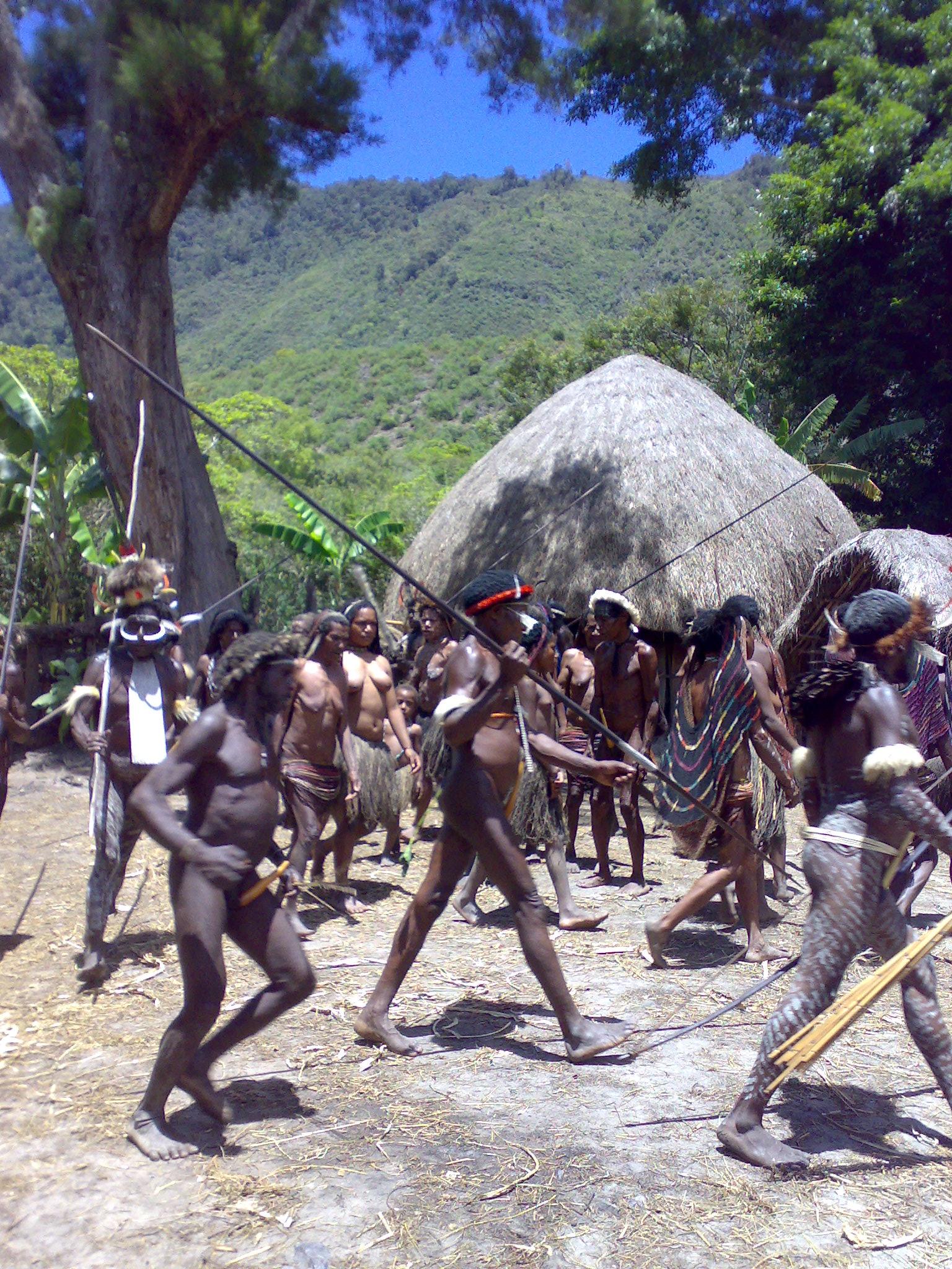 Papua reis – Asmat Fire2